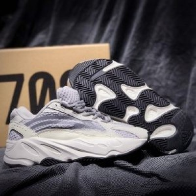 Giày Yeezy Static 700 REP